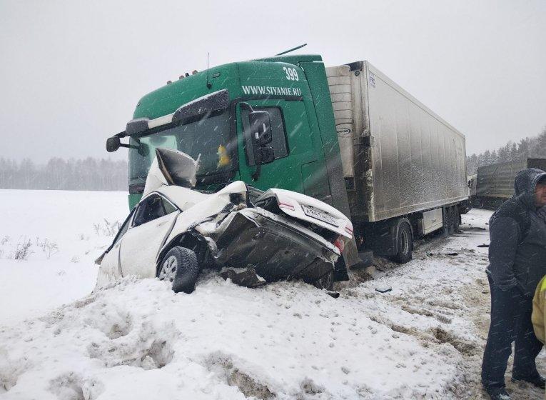 За 2 дня в ДТП в Удмуртии погибли 4 человека один  в тяжелом состоянии