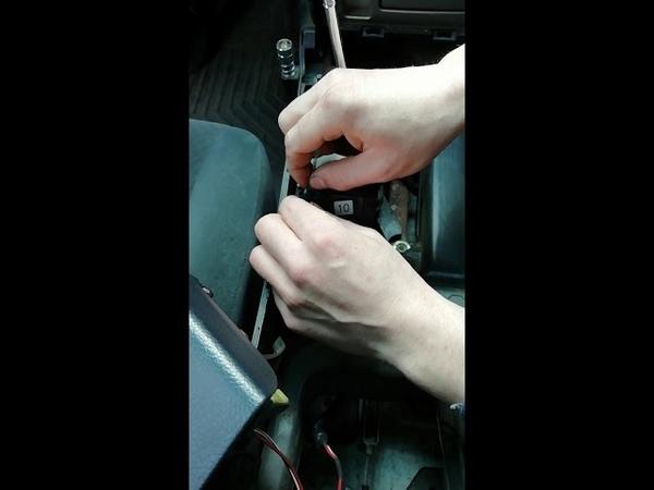 Замена лампочки подсветки селектора АКПП CAMRY40