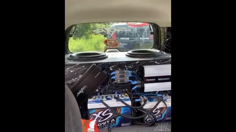 "Riley Bell's 2 Skar Audio ZVX 15""s runnin off a Taramps MD 8000 1 backed by XS Power"
