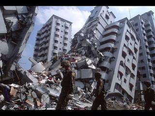 УЖАСНЫЕ КАДРЫ! Самые мощные землетрясения снятые на камеру, подборка землетрясений | боль земли