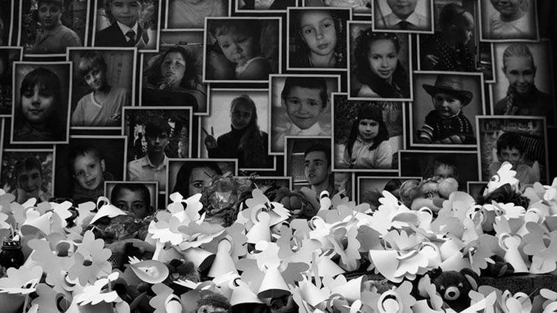 Ангелы Донбасса В Горловке почтили память детей ставших жертвами украинской агрессии
