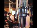 21 08 18 Сынни с сотрудниками ночного клуба Burning Sun в корейском ресторане барбекю 장남식당