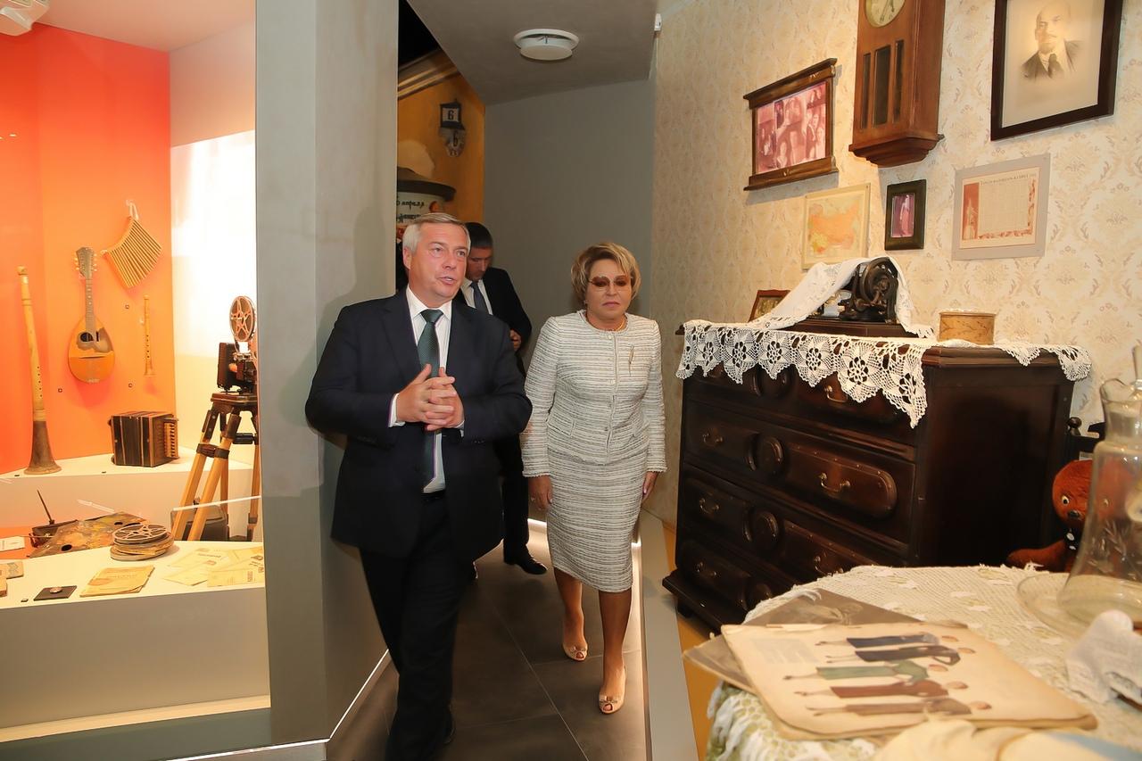 Валентина Матвиенко и Василий Голубев посетили Таганрогский театр им. А.П.Чехова