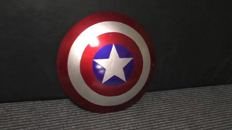 Щит Капитана Америки. Руки как руки