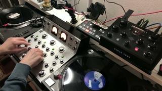 Mijk van Dijk Techno Vinyl DJ-Set with Varia Instruments RDM40-Mixer and Ninja Tune Zen Delay