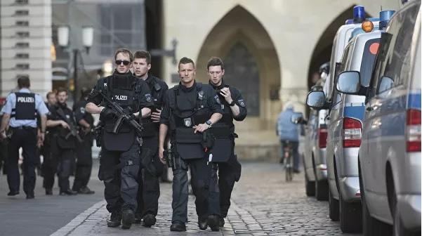 """Полиция в Берлине пресекла многотысячный марш """"ковид-диссидентов"""""""