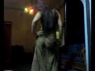 Танец дагестанской женщины