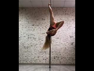 Pole dance.mp4