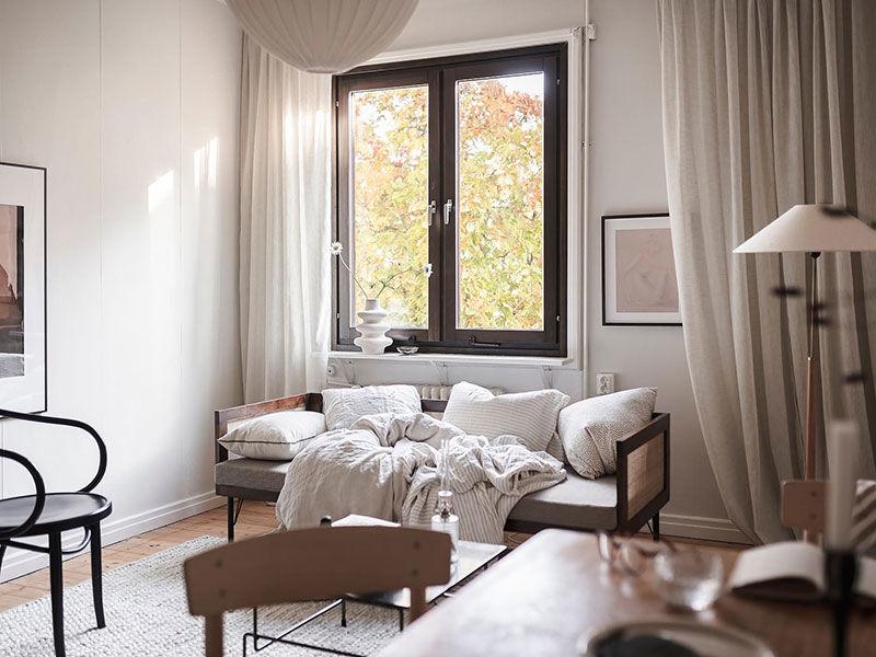 Крошечная квартира в тёплых тонах для девушки (25 кв.