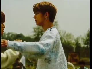 So hyunjin knocked seungmins camera out of his hand for no seeming reason, is it a side effect or is he trying to warn seungmin