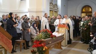 На прощальную встречу с Виктором Кришталем пришли сотни жителей Бердска