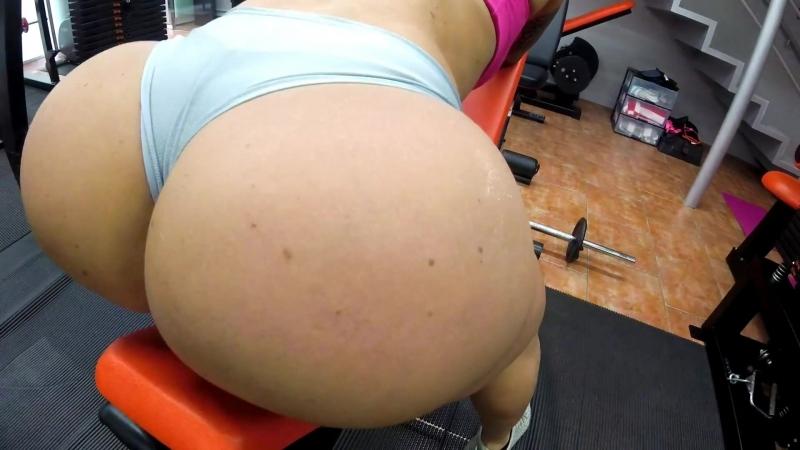 Victoria Lomba very hot in the gym bikini fitness бикини бразильская brasil фитнесс фитоняшки бикиняшки ass попка мамка milf