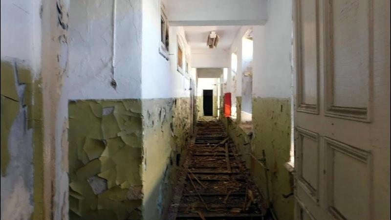Длинные коридоры заброшенного цеха №1 ЗабГОКа