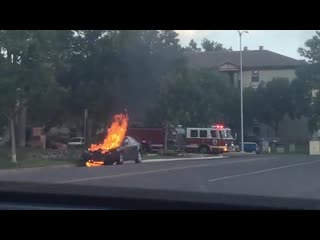 CAR FIRE RIGHT IN FRONT OF ME!!!!!!!!!!! 6/22/20