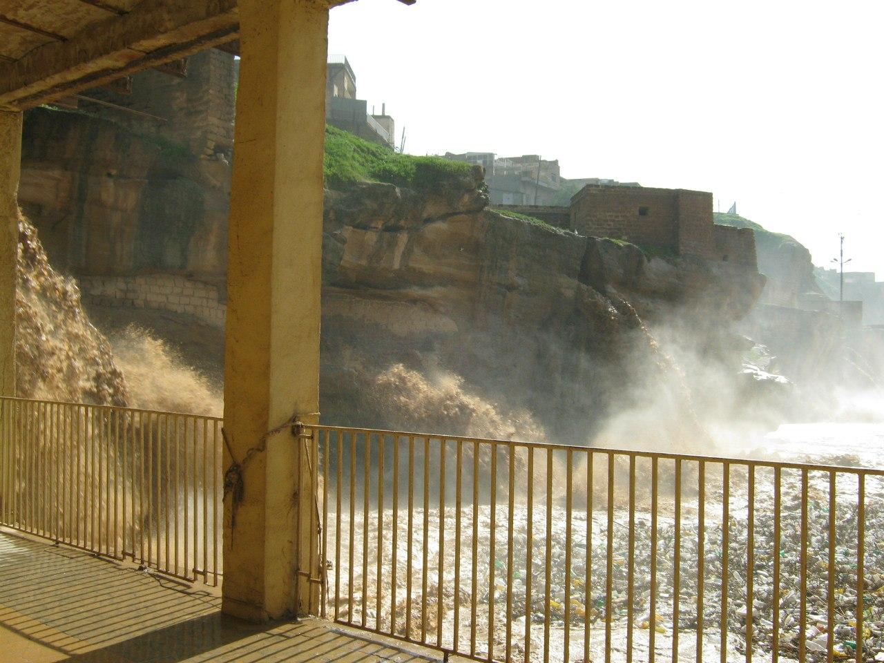 Древняя система из водяных мельниц в Шуштар