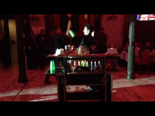 Бармен шоу от BarTrender в ресторане Гимназия
