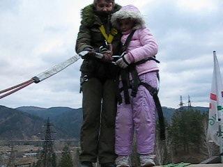 г. Мы с внучкой Прыгаем тандемом с Чертова моста в Дивногорске.