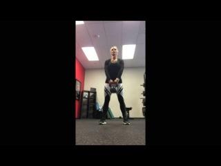 a killer #kettlebell workout x 30 seconds!