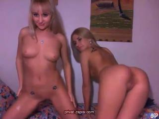 Две голые украинки (Записи приватов Runetki, Bongacams, Ruscams)