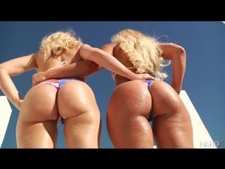 Anikka Albrite and Kelsi Monroe - Anikka VS Kelsi