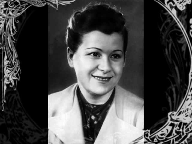 Мария Максакова в сопр хора и оркестра ВРК Ой Цветет Калина