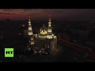 С высоты птичьего полета: Московская соборная мечеть на рассвете