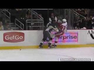 Rob Scuderi Hit on Pavel Datsyuk (9/22/14)