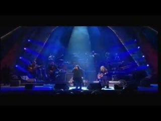 (6:41) Ann & Nancy Wilson (Heart) - Stairway To Heaven