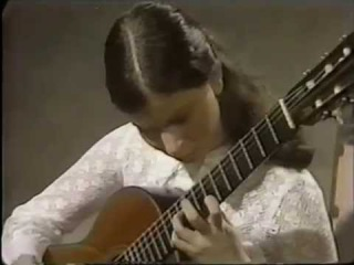 Rare Guitar Video of a young Sharon Isbin playing Mallorca by Isaac Albéniz 1975
