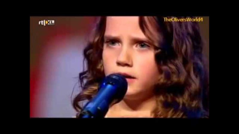 Девочка спела так что зал аплодировал стоя а жюри открыли рты