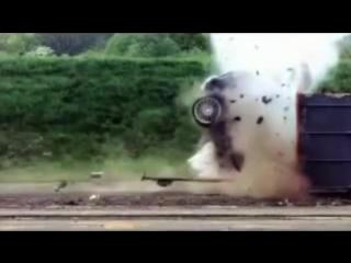 Краш-тест (уничтожение) Ford Focus на скорости 200км-ч