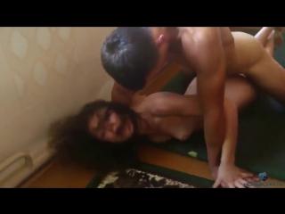 Отец жестоко ебет в анал дочь, а мать снимает, инцест домашнее любительское част