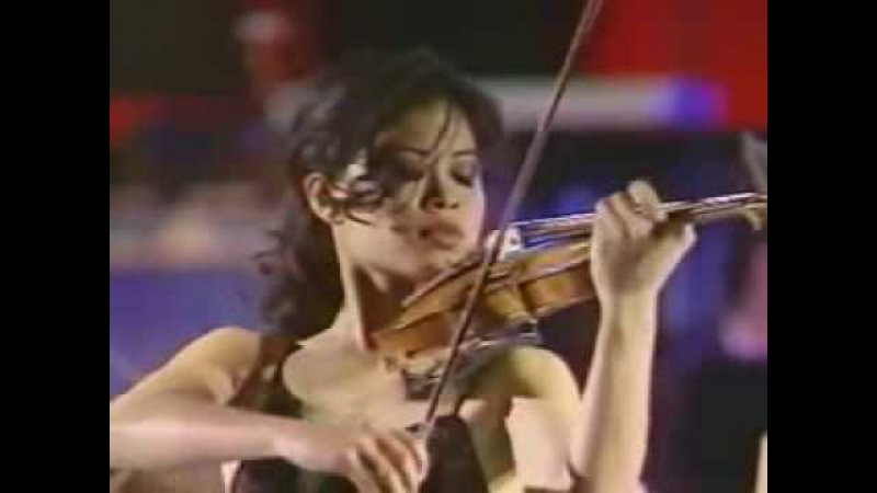 Vanessa Mae plays Toccata Fugue