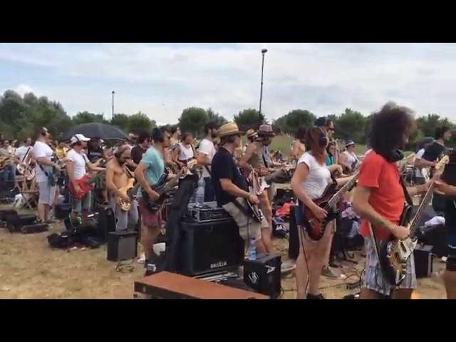 Rockin'1000 Cesena Prima prova per bassi chitarre e batterie