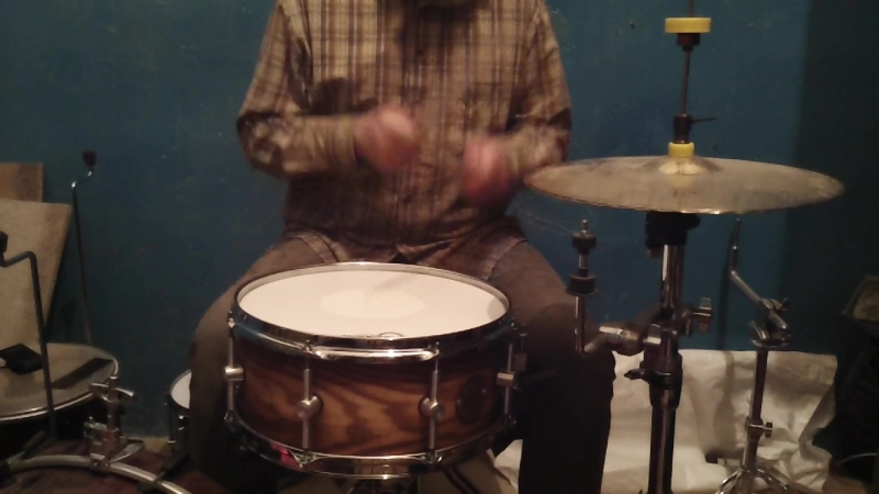 14х6,5 красный дуб в ясене три слоя дуба в двух слоях ясеня. drum druming customsnaredrum customdrumset utev duckdrumsyst