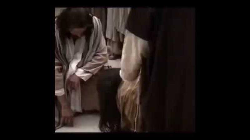 Кто из вас без греха, первый брось на нее камень..