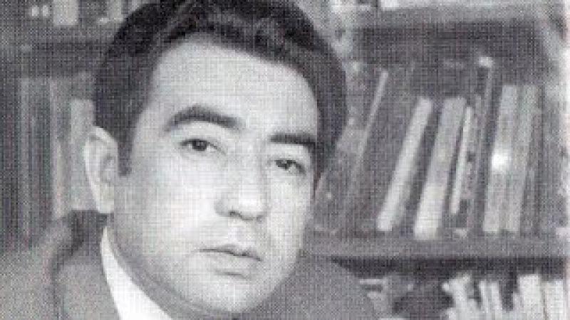 O'lmas Umarbekov Teleko'rsatuv Xurshid Davron kutubxonasi