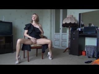 Русская мамочка с фигурой как у девочки показала свои сочные прелести (порно milf mature )