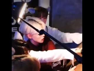 Jisung, i know u want to kiss him