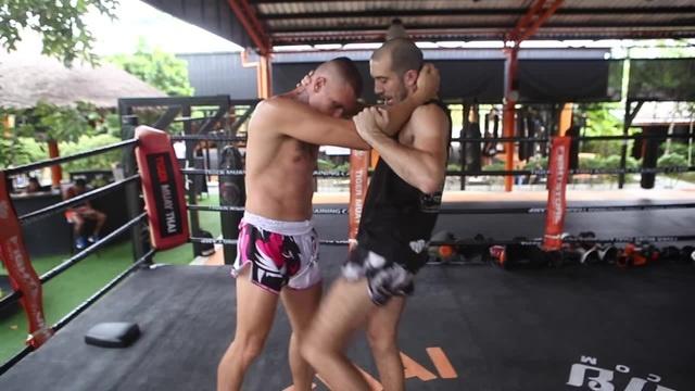 Тайский Бокс Бирманский Бокс Летвей Боковая подсечка в клинче clinch sweep