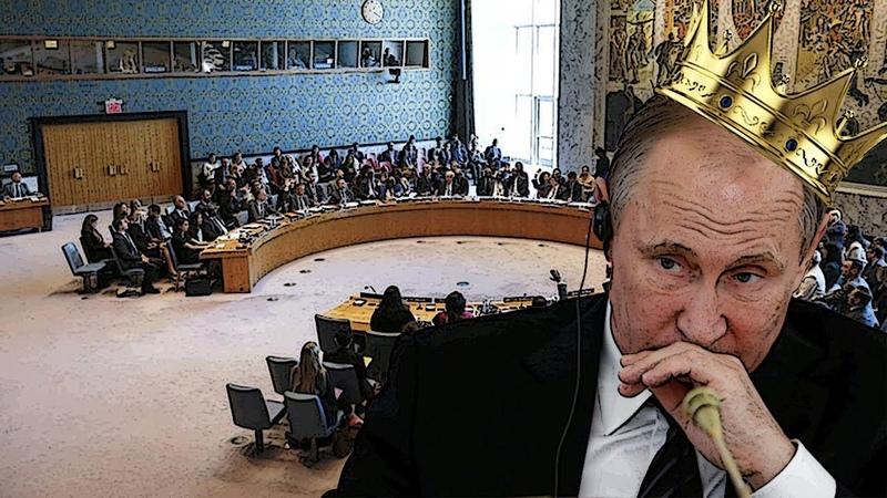 Кремлю поправили на голове корону лопатой