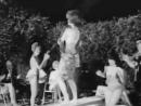 Девушка танцует Myrchants Indefinite Inhibition