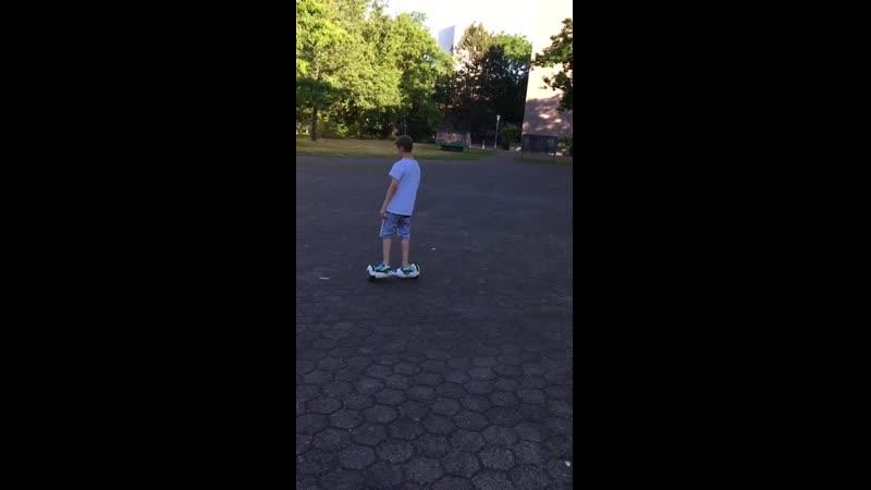 VIDEO-2017-08-23-21-05-33.mp4
