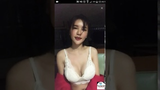 BIGO HOT - GOYANG BASAH... TANPA B4JU CEWEK THAILAND