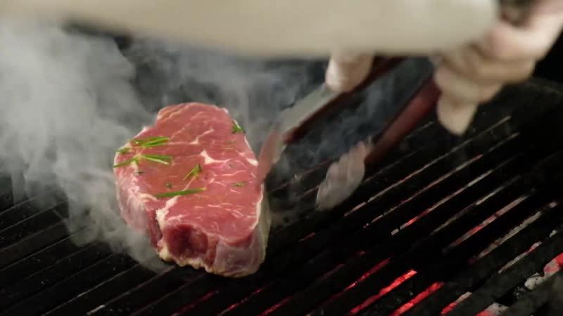 Стейк какой степени прожарки вы предпочитаете? В нашем а ля карт ресторане Steak House мы будем счастливы исполнить все ваши пож