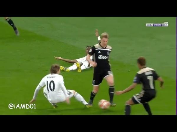 Dejong humiliate Modric