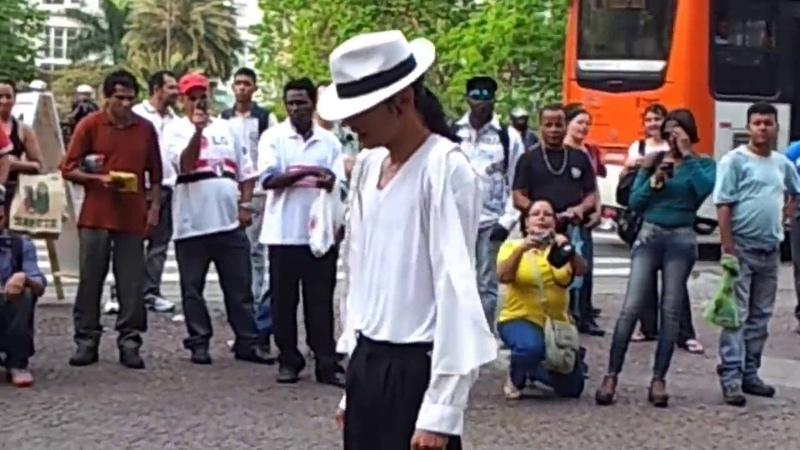 Cover do Michel Jackson dançando no Viaduto do Chá, dança muito, assista!(parte I)