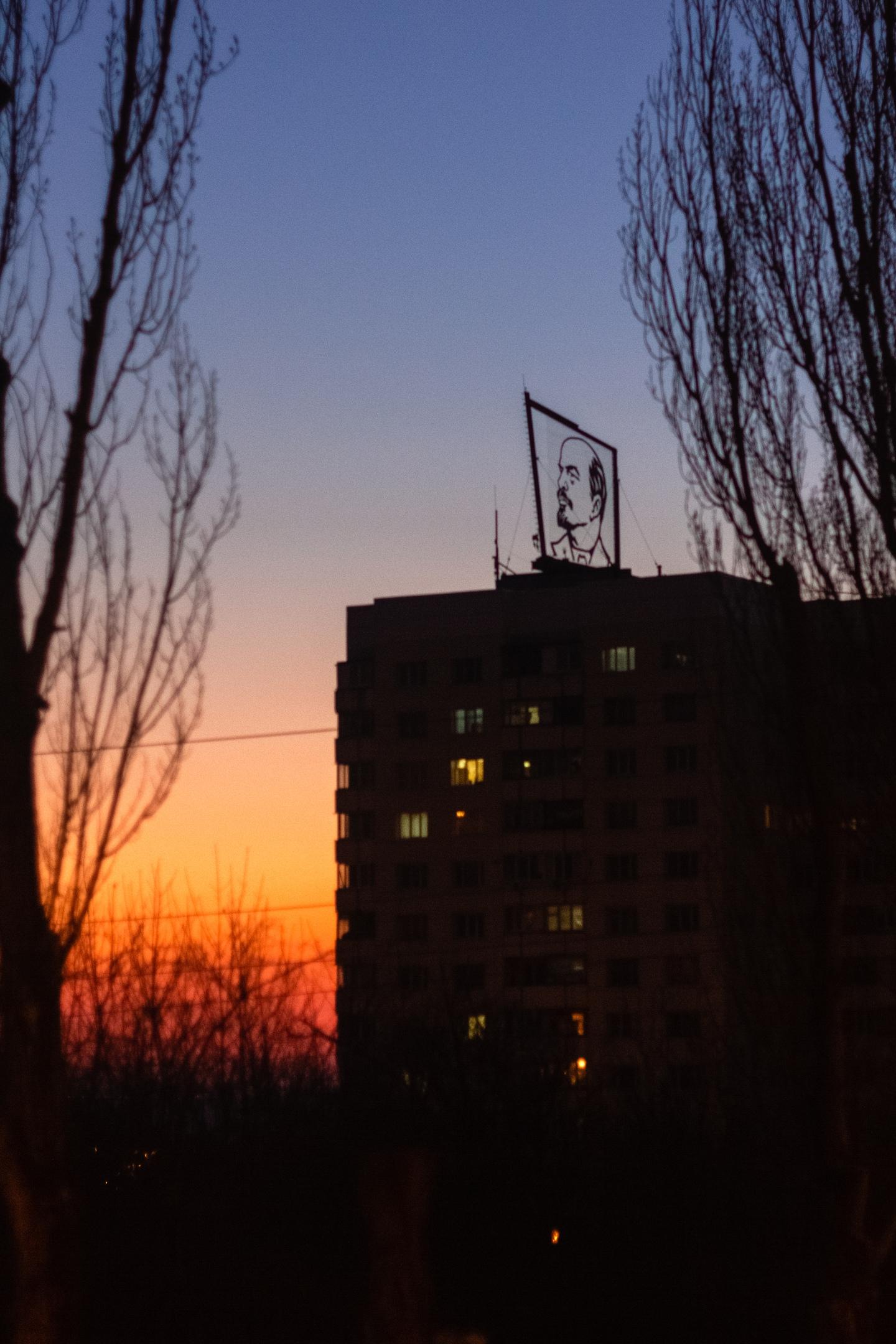 На улице теплеет и начинается пора закатов.