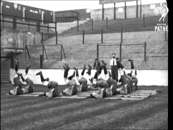 Football Teams In Training - West Ham (1924)