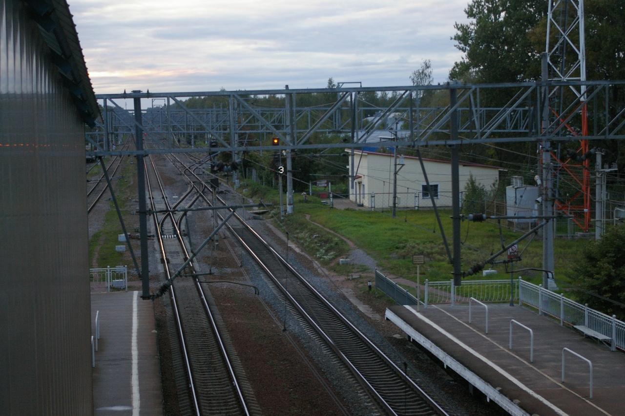 Железнодорожные прогулки. Станция Левашово. И заброшенный старинный дом